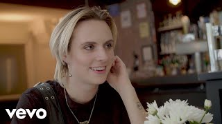 MØ - Deal Breakers & Day Drinking: A Dream Date with MØ - VEVO