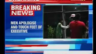 2 drunk men misbehave with Indigo executive; woman staffer makes men touch her feet - NEWSXLIVE