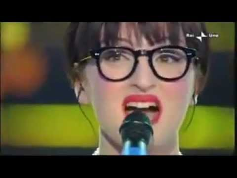 Arisa - Sincerita (live Sanremo 2009).avi