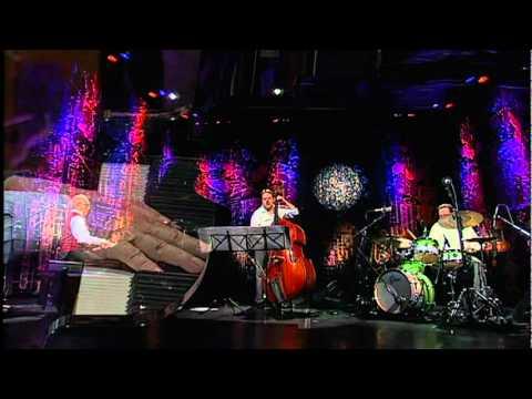 Zimbo Trio - Aquarela do Brasil (Ary Barroso) - Instrumental SESC Brasil - 05/09/2011