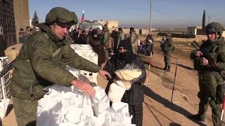 Russian military police deliver humanitarian aid in Syria's Dali Fa'r - RUSSIATODAY