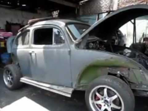 Volkswagen Escarabajo se le adapta un Motor Toyota 2000