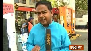 Delhi fuel pump strike: Around 400 petrol pumps remain shut today - INDIATV