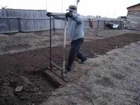 Iata asa se sapa in gradina / Вот так надо копати в огороде