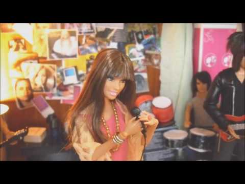 Carly Rae Jepsen - Call Me Maybe (Barbie version)
