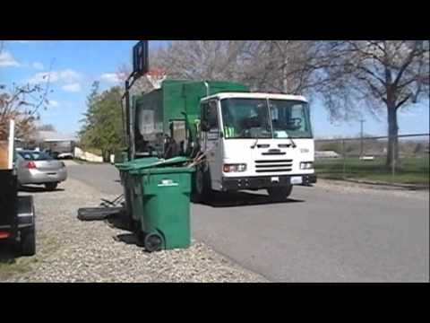 Waste Management Garbage Truck -z591G_PlkbQ