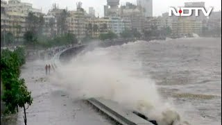 मुंबई में बारिश के साथ हाई टाइड, 5 मीटर ऊंची उठीं लहरें - NDTVINDIA