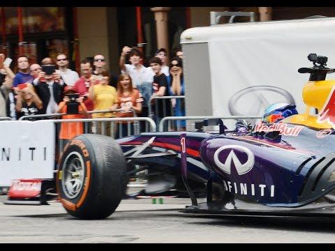 Downtown Austin Infinity Red Bull Formula 1, Vettel, Ricciardo -Por José Castro