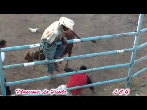 1 Privado Y 2 Revolcados En El Jaripeo Ranchero 2012