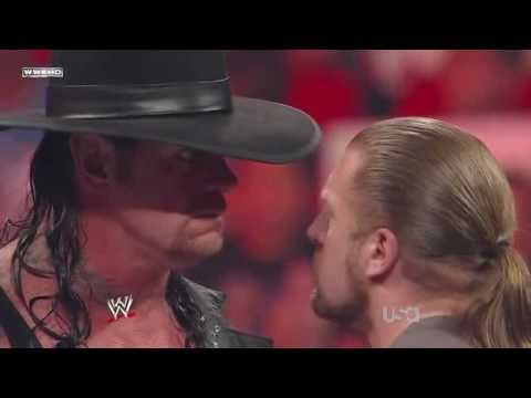 Triple H and Undertaker returns 2011 on WWE RAW 2/21/11 *HD*