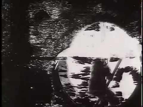 """""""Decasia"""" - Bill Morrison. Przykład filmu found footage"""