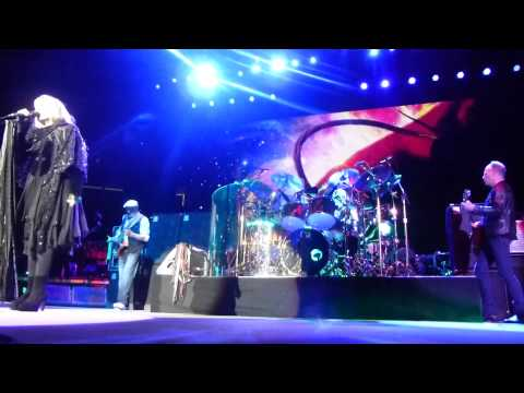 Rhiannon Clip ffom the front row- Fleetwood Mac Newark 2013