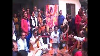 Varanasi: People perform hawan for construction of Ram Temple - TIMESOFINDIACHANNEL