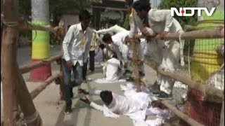 वाराणसी में वोट के लिए दंडवत हुए उम्मीदवार - NDTVINDIA