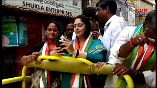 Actress Nagma Election Campaign for TDP Candidate Kuna Venkatesh in Sanath Nagar | CVR News - CVRNEWSOFFICIAL