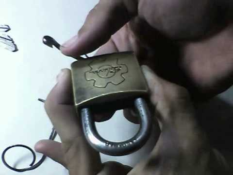 Como abrir cadeado sem chave(modo mais simples)_How to open a padlock without key(more simple mode)