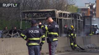 Schoolbus driver has had enough and set the bus on fire: 14 people sent to hospital - RUSSIATODAY