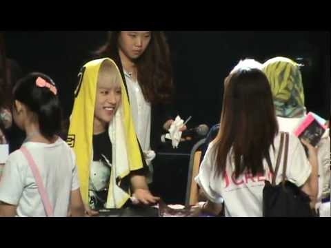 Fancam 120706 B.A.P Malaysia Showcase - Fan Signing Session #2
