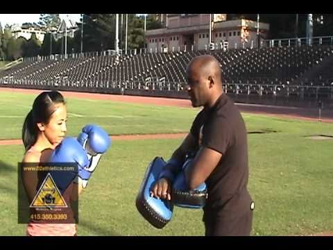 How to Hold Thai Pads for Knee Strikes Muay Thai -Basic Technique