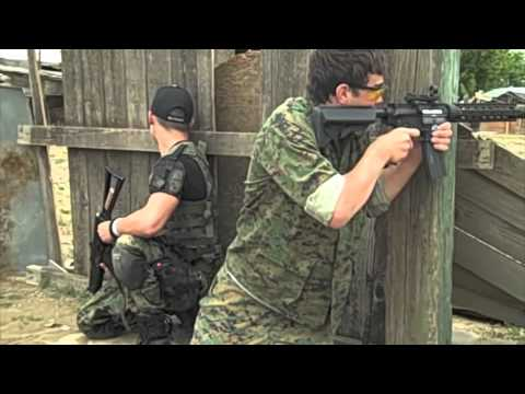 Airsoft War, ASGI G4 custom, Echo 1 red star AK 47 (74) G&G M4