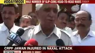 Jaswant Singh arrives to cast his vote in Barmer - NEWSXLIVE