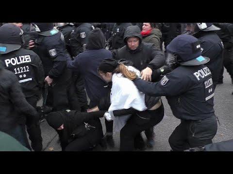 Berlín: Izquierdistas chocan con la Policía que protegió una marcha ultraderechista