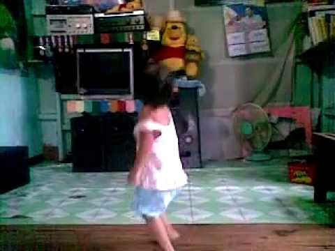 2 year old baby Zea dancinq bodotz