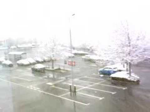 snow fall in london by islamabad gangster