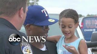 Officer Calms Girl Who Is Afraid of Police During Traffic Stop - ABCNEWS