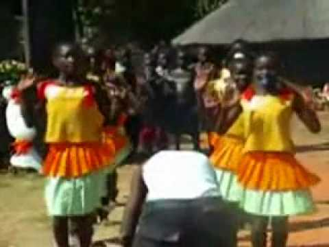 Acholi Traditional Weddings (Luo Cultural Dancers) - acholinetwork.com