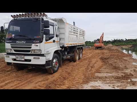 รถพ่วงท่อลั่น-ดั้มทรายสร้างถนน