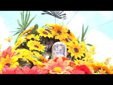 Tradicionalistas realizan procesión por Managua con réplica de Santo Domingo