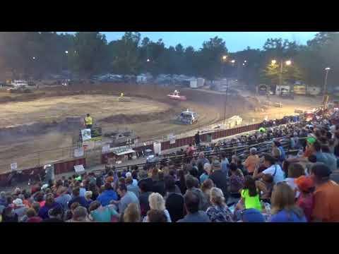 Ogemaw County Fair 2018 Bump and Run (Big cars) Heat 1 (8-15-18)