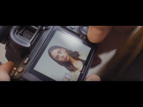 Профессиональная камера Sony α7R III