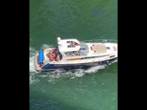 Fiesta yates río en Miami