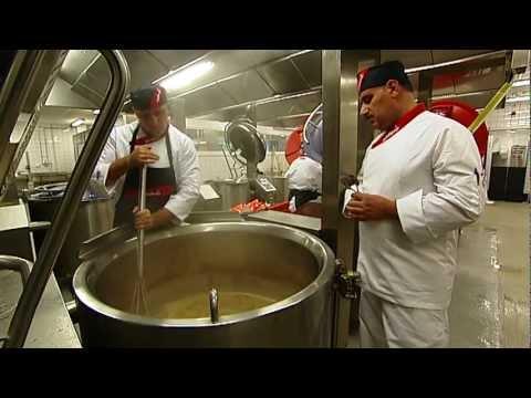 Så jobbar vi med patientmat i Sodexos kök i Märsta