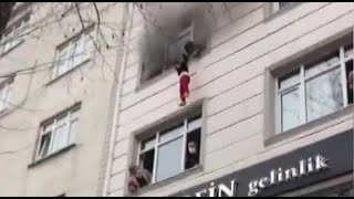 Madre arroja a hijos desde un cuarto piso para salvarlos de incendio en Turquía