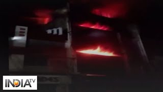 Fire breaks out in three-storey textile store in TN's Madurai - INDIATV