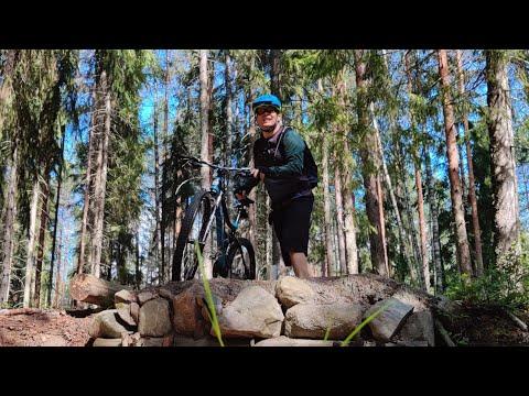 Velogi-videobloggarin pyöräilyvideo Korkeakankaan maastoreiteistä Valkeakoskella