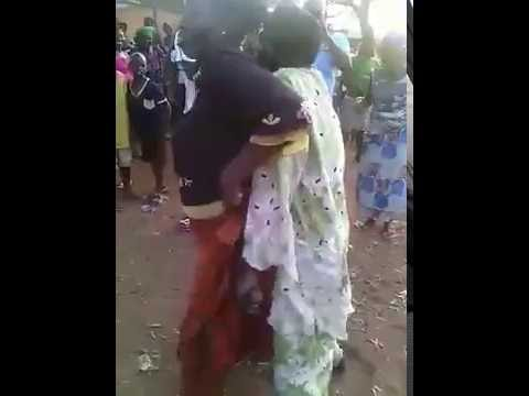 connectYoutube - HILARIOUS!! Old man and woman dancing romantically