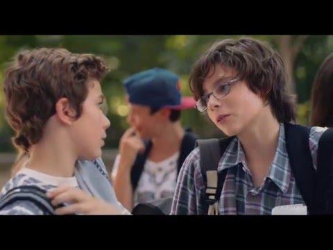 El novato - Trailer español (HD)