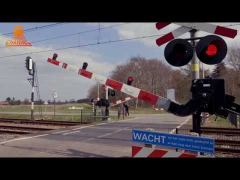 DUTCH RAILROAD CROSSING - Staphorst - Leidijk photo