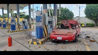 Vehículo explotó mientras cargaba gas