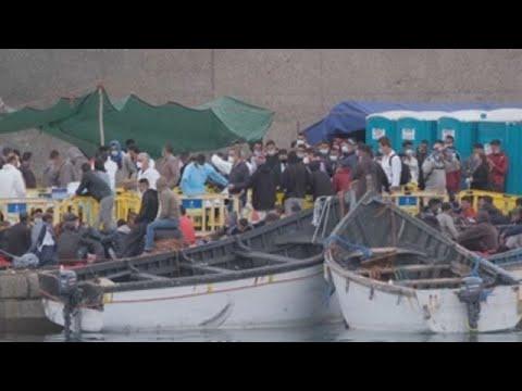 Nueva jornada de continua llegada de pateras a Canarias