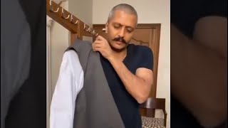 Ritesh Deshmukh makes the fans emotional with his heart touching tribute for his lt. father | - TELLYCHAKKAR