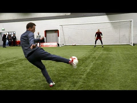 LFC Legends 60 Second Volley Challenge | McManaman v Owen v McAteer