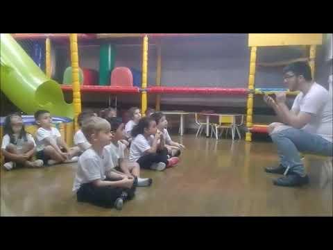 Aula de Inglês com professor Alexandre
