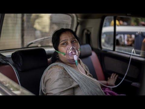 Covid-19: Sağlık sistemi çökmek üzere olan Hindistan'da oksijen karaborsası oluştu   Video