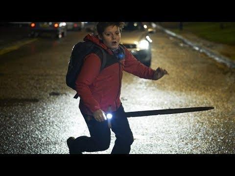 El niño que pudo ser rey - Trailer español (HD)