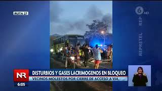 Disturbios y gases lacrimógenos en bloqueo de ruta 27